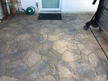 An image of flagstone patio in Encinitas.